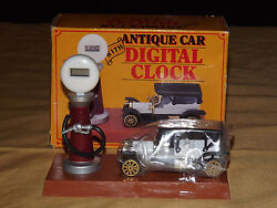 GIFTCO ANTIQUE CAR WITH DIGITAL CLOCK  NEVER USED IN BOX  BATTERY IS DEAD
