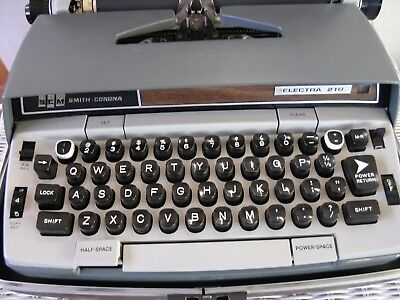 Smc Sears 4 Typewriters In Vgc - Electrics