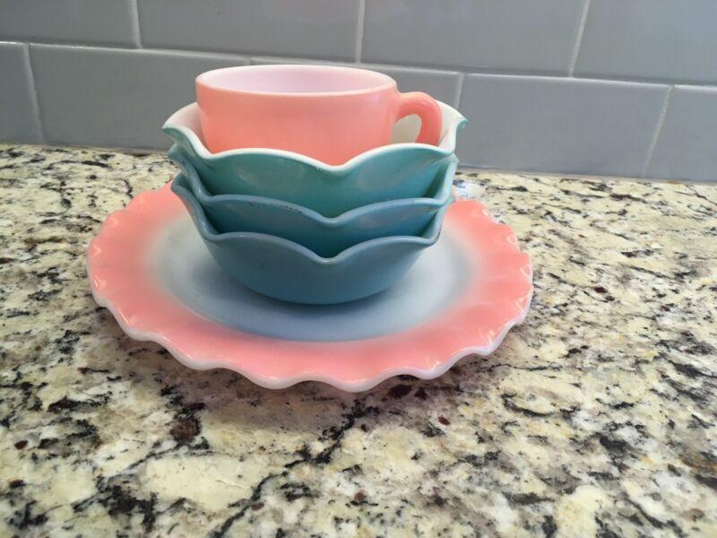 Vintage pink & turquoise Hazel Atlas crinoline ruffle dishes