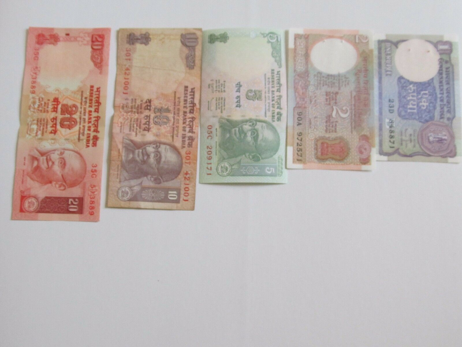 currency paper The artwork on a country's currency usually contains historical or cultural references and is a source of national pride here are copies of all the foreign bank notes collected over the years displaying this great art.