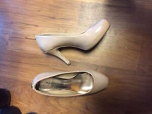 Madden Girl Nude Pumps $30
