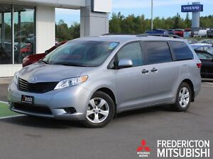 2017 Toyota Sienna 7 Passenger BACK UP CAM | SAVE $8,836 VS NEW