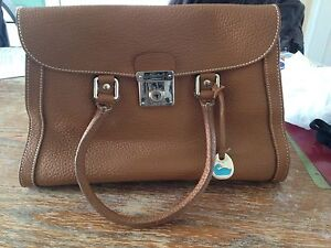 Beautiful brown leather dooney and bourke bag