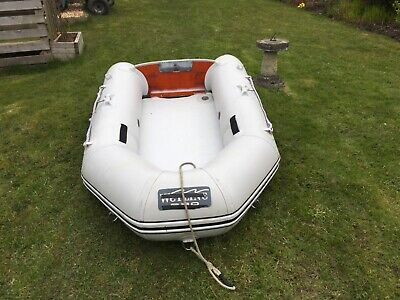 Inflatable dinghy,