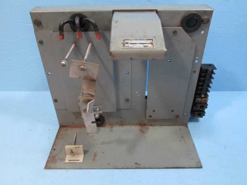 """GE 7098 Series 150A Feeder MCC Bucket  12"""" Breaker General Electric MCCB 150 Amp"""