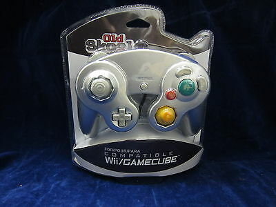 Old Skool GameCube Controller for Nintendo Wii - Silver