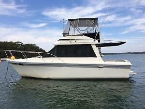 Riviera 32, Flybridge Cruiser. Lemon Tree Passage Port Stephens Area Preview