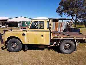 Land rover with tray 173 holden on gas Barnawartha Indigo Area Preview