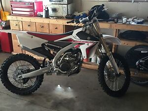 2015 yz250f like new only 15hrs