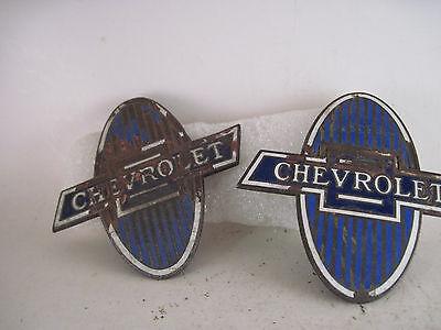 Chevrolet   vintage radiator emblems lot of 2  ( 7f18  70 )