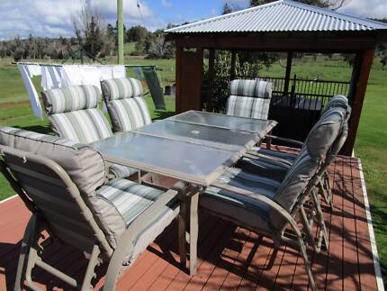 Outdoor Table & Chairs Just In Time For Summer Mullalyup Donnybrook Area Preview