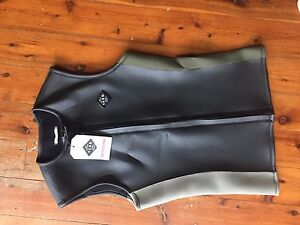 New TCSS mens Small wetsuit vest Macmasters Beach Gosford Area Preview