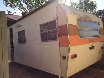 Franklin caravan 16-17ft (suit farm or spare room) Roxburgh Park Hume Area Preview