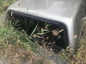 Boite Leer pour camion de 8 pied en bonne etat demande 500 $