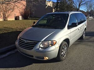 2006 Chrysler Town & Country Limited DVD