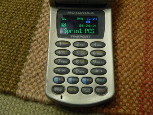 Motorola Startac - Timeport - Flip Cellular Phone P8767 with charger & Tested