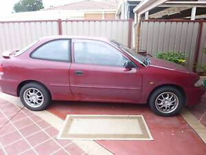 2000 Hyundai Excel Hatchback Roxburgh Park Hume Area Preview
