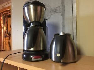 Braun coffee maker with 2 pots