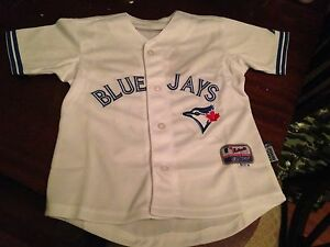 Kids Blue Jays Jersy. Size small.