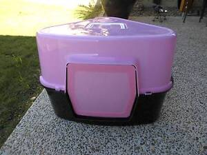 KITTY LITTER TRAY WITH COVER AND FLAP TRIANGLE SHAPE Pimpama Gold Coast North Preview