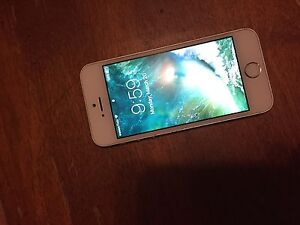Silver 16GB IPhone 5s With Finger Print Scanner!!