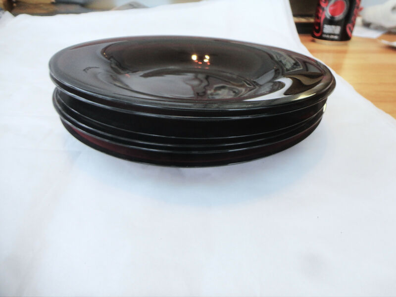 ANTIQUE SET OF 6 HANDBLOWN AMETHYST GLASS PLATES, 8 INCHES WIDE.