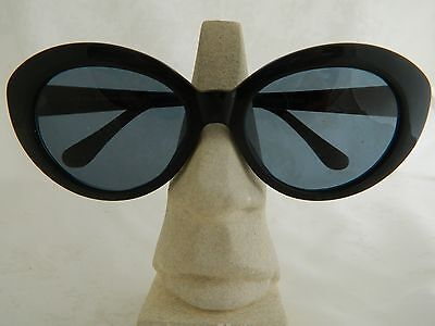 CHRISTIAN ROTH SUNGLASSES SERIES 3000 PLASTIC BLACK OVAL VINTAGE  on Rummage