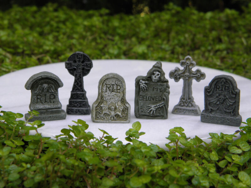 Miniature Dollhouse FAIRY GARDEN Accessories ~ 6 TINY Halloween Tombstones ~ NEW