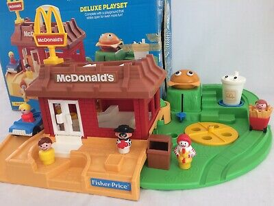 Vintage Fisher Price Little People McDonalds #2552 Complete with Box