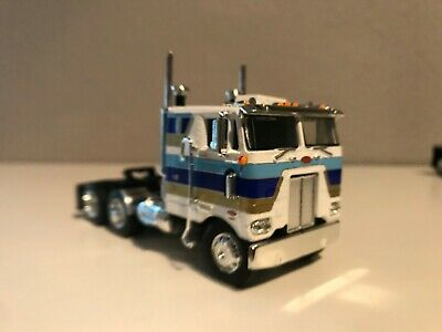 "WHITE GOLD BLUE DCP 1/64 352 PETERBILT COE 86"" SLEEPER"