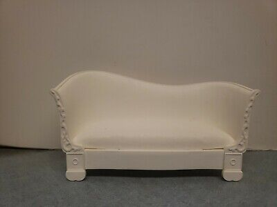 Barbie Doll White Couch Townhouse, Dream house Sofa Living Room Dollhouse