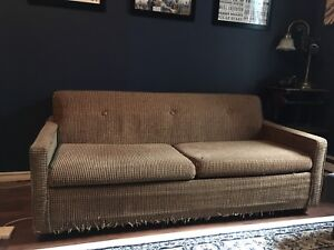 Retro, Pull out couch