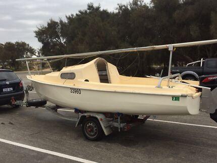 Trailer sailer yacht 5m drop keel