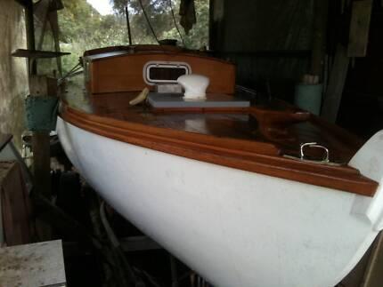 yacht,23.ft,K.W.P. fully restored.