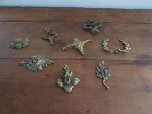 joli lot d anciens éléments ornements de meubles pendules lustres
