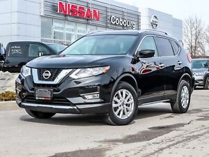 2017 Nissan Rogue SV Sunroof Heated Seats AWD  FREE Delivery