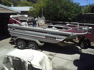 1999 4.75m Tri Hull boat with tandem axle aluminium trailer Charnwood Belconnen Area Preview