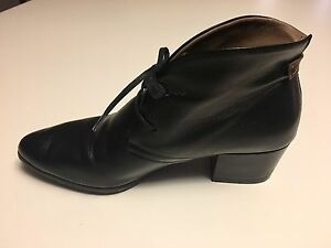 Black Italian Leather Ankle Boots size 7.5