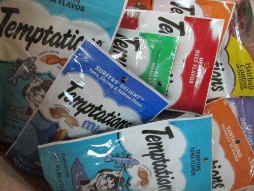LOT of 30 TEMPTATIONS Classic Crunchy & Soft Cat Treats (Variety) 3 oz. packs
