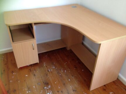 Corner desk in great condition Manly Vale Manly Area Preview