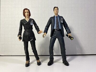 1998 X files mulder and scully McFarlane figures