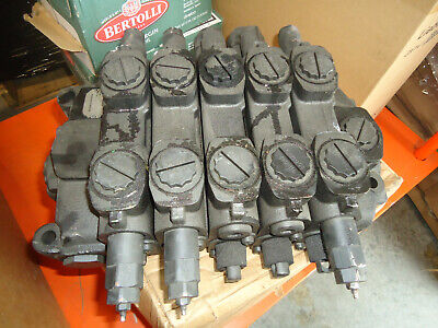 Parker Spool Hydraulic Valve 0605713 H0419-3497 Unit Is New