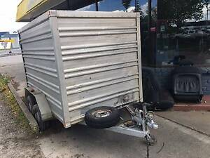 ENCLOSED TANDEM TRAILER Albury Albury Area Preview