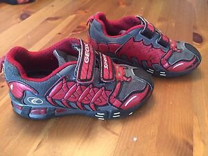 GEOX chaussures pointure 29 ou 11