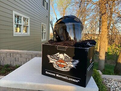 2 - Harley-Davidson Helmets, Size M: 98210-10VM/000M_Gloss Black; nearly new