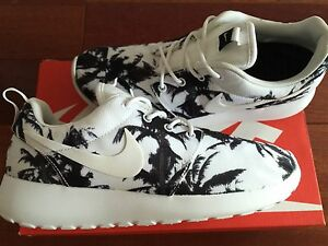 Nike roshe run palm tree
