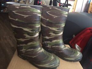 Rubber Boots - Size 5