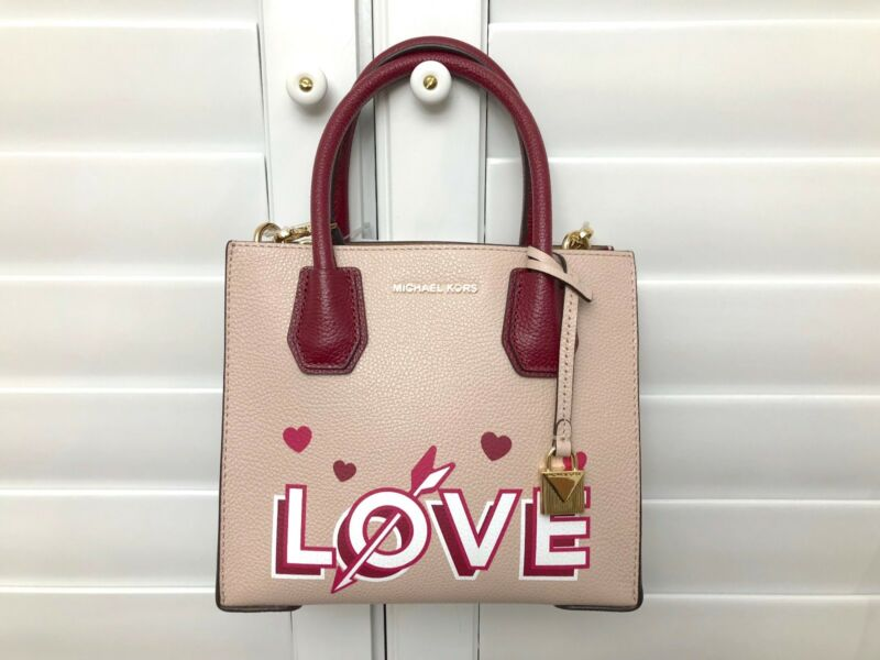 04359bfde6a4 Michael Kors Women s Pink Mercer Love Medium Leather Messenger Bag ...