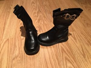 Girl's Boots Size 5.5