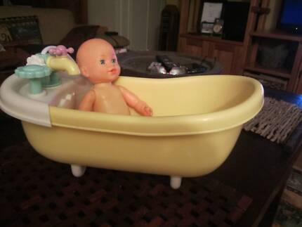 Doll cot and bath set | Toys - Indoor | Gumtree Australia Gold Coast ...